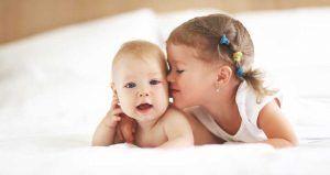 Cómo evitar los celos de tu primer hijo al tener un segundo bebé